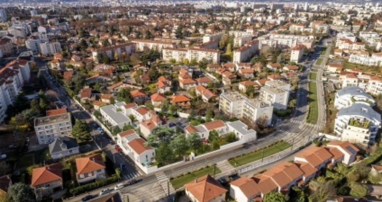 Achat / Vente programme immobilier neuf Bron proche du Fort (69500) - Réf. 2974